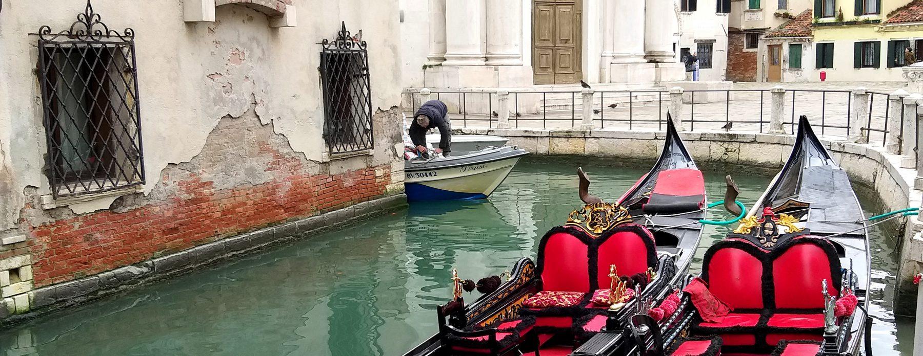 Amintiri din orașul gondolelor. Veneția din poze versus Veneția cea reală